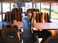 Het interieur van de bus